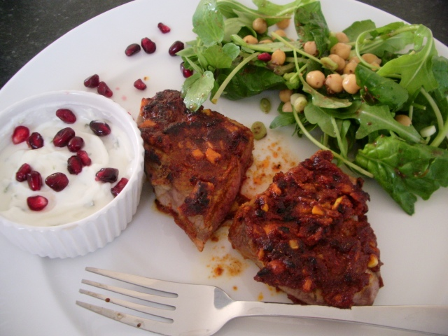 Spicy lamb with chickpea salad and minted yoghurt_5